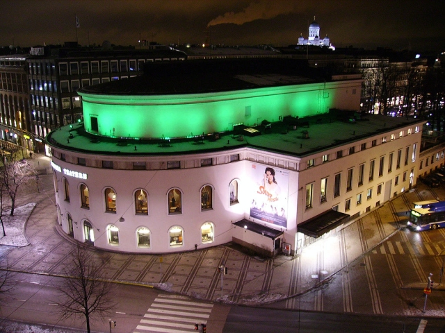 1024px-Svenska_Teatern_by_night