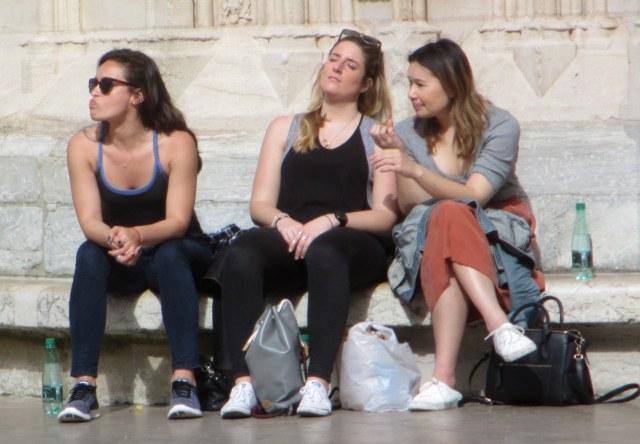 ThreeGirls:Lyon